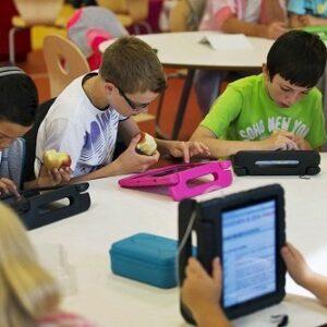 مقاله بررسی رابطه هوشمندسازی مدارس با پرورش خلاقیت و پژوهش مدار کردن دانش آموزان